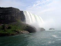 Niagara Falls dat van Meisje van de Mist is ontsproten Royalty-vrije Stock Fotografie