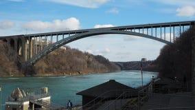 Niagara Falls den internationella regnbågebron Royaltyfri Fotografi