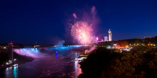 Niagara Falls en la noche Fotografía de archivo libre de regalías