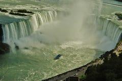 Niagara Falls, en Meisje van de Reis van de Mist, de V.S. Stock Afbeelding
