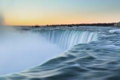 Niagara Falls för soluppgång arkivfoto