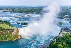 Niagara Falls flyg- sikt, kanadensiska nedgångar Arkivfoton