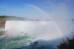Niagara Falls - Horshoe baja arco iris imagenes de archivo