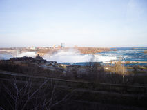 Niagara Falls i aftonen i vinter Royaltyfria Bilder