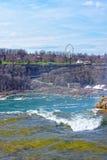 Niagara Falls i USA och sikt av Ontario i Kanada Royaltyfri Fotografi