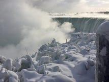 Niagara Falls im Winter Stockbilder