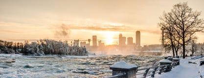 Niagara Falls im Winter, USA stockbild