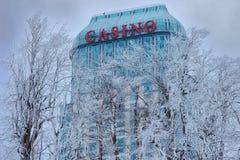 Niagara Falls kasino i vinter Arkivbild