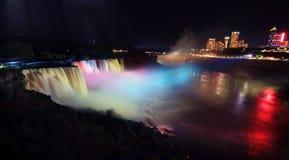 Niagara Falls la nuit Image libre de droits