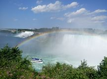 Niagara Falls met Regenboog royalty-vrije stock foto