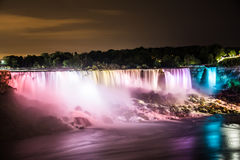 Niagara Falls na noite foto de stock royalty free