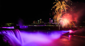 Free Niagara Falls Night Time Illuminated With Fireworks Royalty Free Stock Photography - 93075047