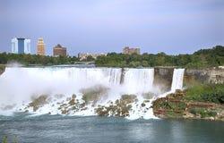 Niagara Falls no lado do ver?o time Quedas nupciais do v?u imagem de stock