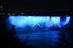 Niagara Falls på natthästskonedgångar Fotografering för Bildbyråer