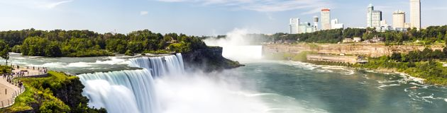 Niagara Falls panorama, lång exponering, siden- vatten - New York Royaltyfri Foto
