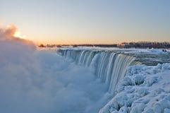Niagara Falls - soluppgång - 06 Arkivbild