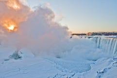 Niagara Falls - soluppgång  Royaltyfri Fotografi
