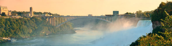 Niagara Falls soluppgångpanorama Royaltyfria Bilder