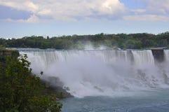 Niagara Falls 24th Juni: Förenta staternasida från Niagara Falls Fotografering för Bildbyråer