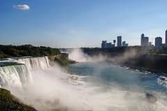 Niagara Falls von der amerikanischen Seite stockfotografie