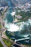 Niagara Falls von der Spitze Stockbild