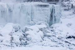 Niagara Falls ytterlighetförkylning Arkivbild