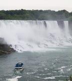 Niagara- Fallskönigin des Nebels Stockfotografie