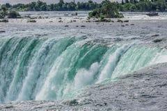 Niagara spada od kanadyjskiej strony Fotografia Royalty Free