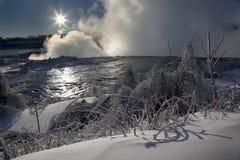 Niagara spadki - zimy słońce obrazy royalty free