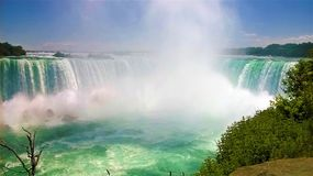 Niagara valt een mooie de zomerdag stock foto's