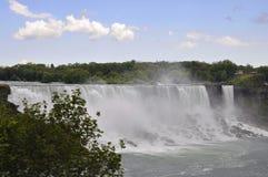 Niagara valt, 24 Juni: De Kant van Verenigde Staten van Niagara-Dalingen Stock Afbeeldingen