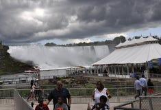 Niagara valt, 24 juni: De Plaats van de Hornblowercruise van Niagara-Val van de provincie van Ontario in Canada Royalty-vrije Stock Afbeeldingen