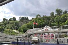 Niagara valt, 24 juni: De Plaats van de Hornblowercruise van Niagara-Val van de provincie van Ontario in Canada Stock Afbeeldingen