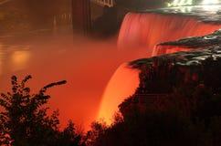Niagara valt langzame stroom bij nacht Royalty-vrije Stock Afbeelding