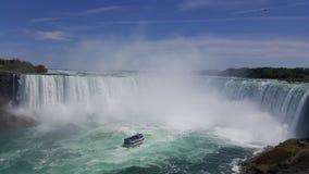 Niagara valt tainbow landschaps blauw water stock afbeeldingen