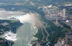 Niagaradalingen in donkere dag Stock Afbeelding