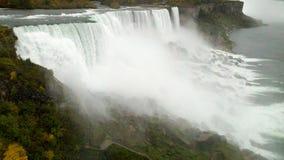 Niagaradalingen met de kant van de V.S. van dalingskleuren Royalty-vrije Stock Foto's