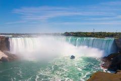 Niagaradalingen vanuit Hoge Invalshoek Stock Afbeelding