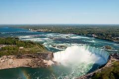 Niagaradalingen vanuit Hoge Invalshoek Stock Foto's