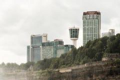 NIAGRA安大略加拿大06 09 2017年尼亚加拉显示各种各样的旅馆和高楼的市地平线 免版税库存照片
