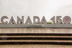 NIAGRA, ΟΝΤΆΡΙΟ Καναδάς 06 09 σημάδι του 2017 που κατασκευάζεται στη 150η επέτειο του Καναδά ` s πτώσεων niagra της συνομοσπονδία στοκ φωτογραφίες με δικαίωμα ελεύθερης χρήσης
