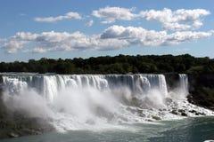 Niagra cade con cielo blu fotografia stock libera da diritti