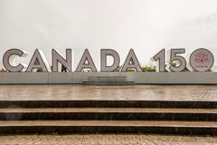 NIAGRA, ONTARIO Kanada 06 09 das Zeichen 2017, das am niagra konstruiert wird, fällt Kanada-` s 150. Jahrestag des Bündnisses im  lizenzfreie stockfotos