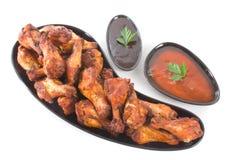 niblettes цыпленка предпосылки над белым крылом Стоковое фото RF