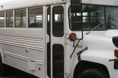 Ônibus escolar branco Foto de Stock Royalty Free