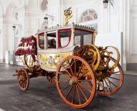 Ônibus velho Imagens de Stock Royalty Free