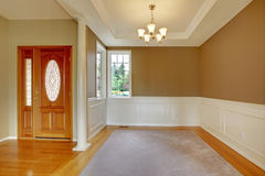 Nice bright entry way to home with hardwood floor Royalty Free Stock Photos