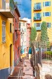 Nice en France, petite rue photo libre de droits