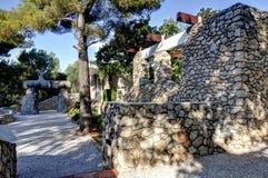 Nice, Frankrijk - Oktober 22, 2011 Stichting Maeght Sculpturs in openluchttuin Royalty-vrije Stock Afbeeldingen