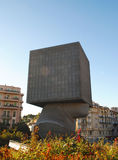 "NICE FRANKRIKE †""AUGUSTI 19: Fyrkantigt huvud - modern skulptur Arkivfoto"